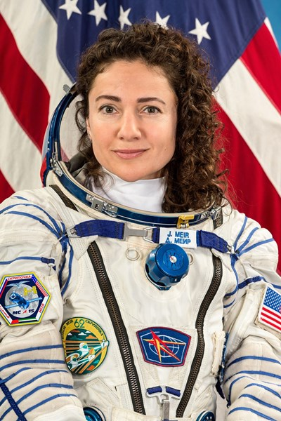 Мним американски астронавт търси посредник в България, дава тлъста комисионна