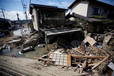 Това е най-голям брой на загинали при наводнения в Япония от 1953 г. насам. СНИМКА: Ройтерс