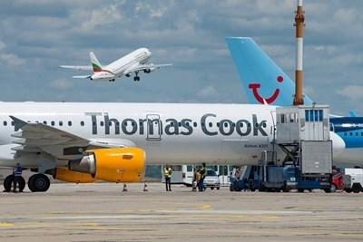 Туроператорът Томас Кук прекратява дейност, отменят се стотици хиляди почивки