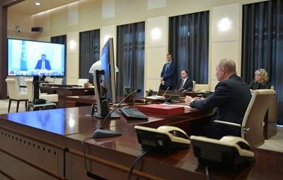Владимир Путин обсъжда икономическите последици от коронавируса по време на видеоконферентна връзка на лидерите на страните от Г-20 СНИМКА: Ройтерс