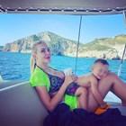 Семейство на яхта