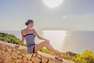 По Черноморието ще е слънчево. Максималните температури ще бъдат между 28 и 31 градуса. Вълнението на морето ще бъде 1-2 бала.