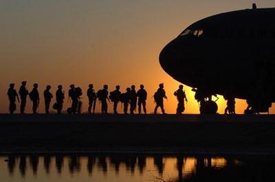 Пентагонът замразява за 2 месеца всякакви движения на американски войски