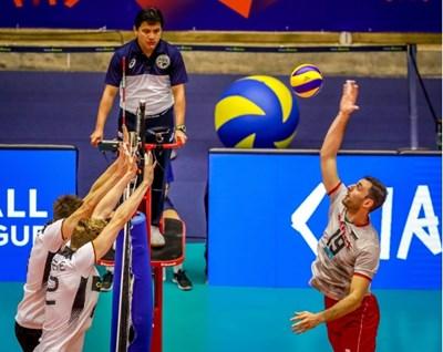 Цветан Соколов прави поредната си забивка срещу Германия. Снимка: FIVB