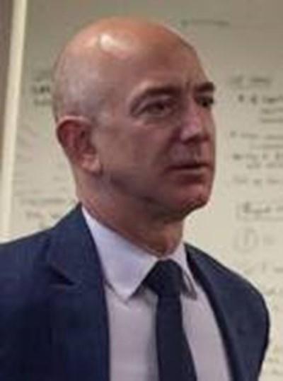 """В САЩ намразиха Джеф Безос, иска помощ за """"Амазон"""""""