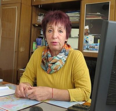 Наместничката на село Враниловци Теодора Томова