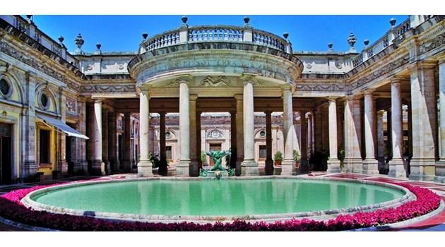Нашествието от туристи в Европа вдига цените. Печелят малки градове като Бергамо и Монтекатини