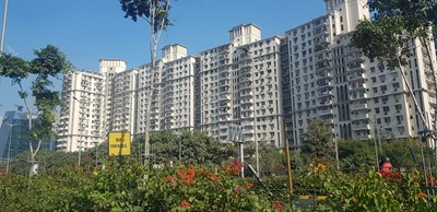 Нови и нови масивни жилищни сгради на пазара на недвижими имоти.