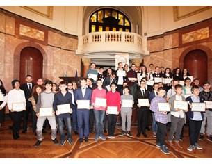 """35 деца влизат днес в клуба """"Отличниците на България"""""""
