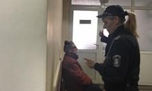 Бабата муле под домашен арест, тя твърди, че също е жертва