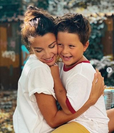 Диляна Попова със сина си СНИМКА: ИНСТАГРАМ ПРОФИЛ НА ДИЛЯНА ПОПОВА