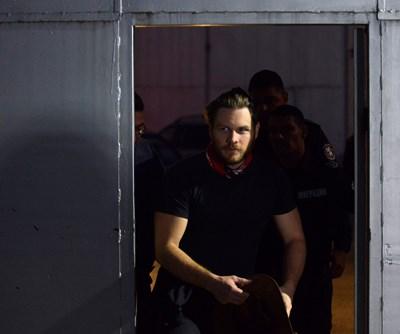 """Джок Полфрийман напуска центъра в """"Бусманци"""", където престоя няколко дни, след като излезе от затвора, защото нямаше документи за самоличност."""