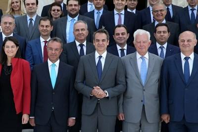 Групова снимка на Кириакос Мицотакис и новото правителство СНИМКА: Ройтерс