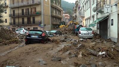 Трима загинаха при тежки наводнения в Сардиния СНИМКА: РОЙТЕРС