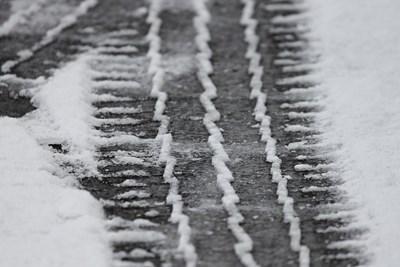 611 снегорина чистили пътищата в страната през нощта