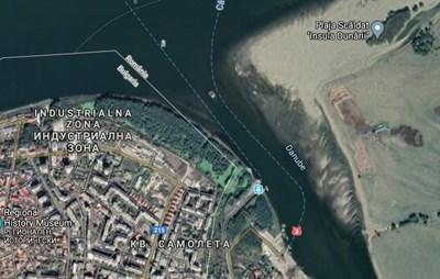 На картата се вижда румънското пристанище за фериботи(вдясно) За да се стигне до него преминаващите камиони трябва да прекосят целия град