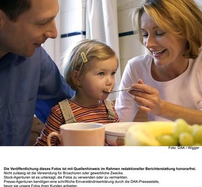 В новите комплексни центрове за хронично болни деца ще се поддържа връзката на детето със семейството