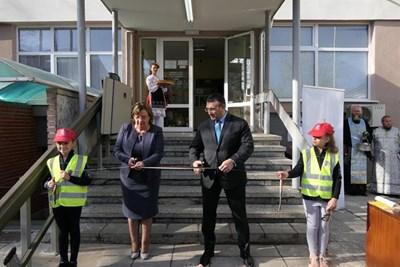 министърът на вътрешните работи в Ловеч при откриването на реновираната сграда на най-голямото на територията на Ловешка област районно управление. Снимка пресцентър на МВР