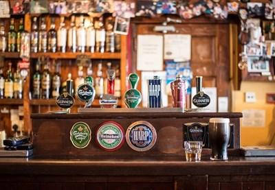 Германия замразява данъка върху бирата в подкрепа на пивоварите СНИМКА: Ройтерс