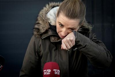 Просълзена, датският премиер Мете Фредериксен за първи път лично се извини за подхода си към кризата с норките СНИМКА: Ройтерс