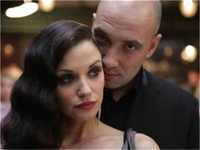 Диляна Попова и Захари Бахаров изживяват бърза интернет любов в Love.net. СНИМКА: АРХИВ