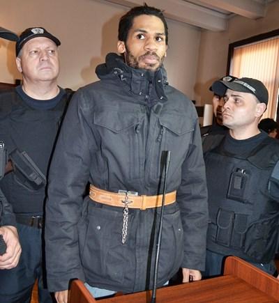Фриц-Жули Жоасен бе арестуван на 31 декември 2014 г. Той е близък на окървавилите Париж братя Саид и Шериф Куаши.