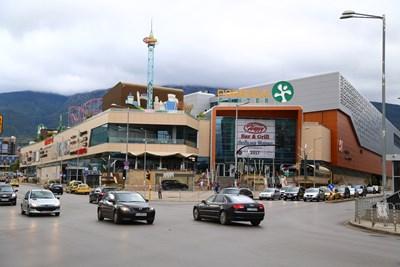 Мол Парадайс еедин от търговските центрове у нас, притежание на южноафриканския фонд NEPI.