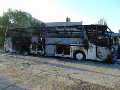 Съдят мъж, запалил 3 автобуса в Ямбол СНИМКА: Прокуратурата