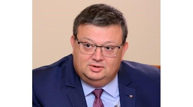 """Цацаров иска имунитета на Йончева, Марешки, още двама от """"Воля"""" и Борис Кърчев от ГЕРБ, за да бъдат разследвани"""