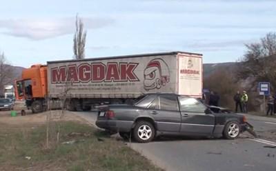 Катастрофата е станала на пътя Ботевград-Мездра около 8 часа тази сутрин  Кадър: Би Ти Ви