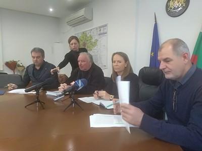 Областният управител Дани Каназирева е категорична, че Бетонният мост е необходима пътна връзка в Пловдив СНИМКА: Анелия Перчева