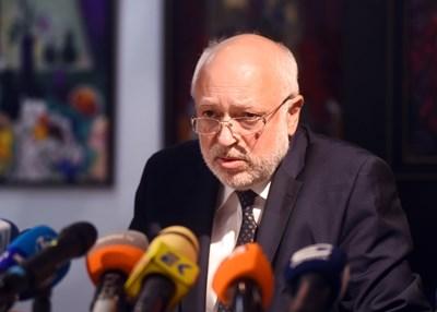 Служебният министър на културата проф. Велислав Минеков