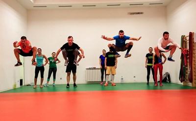 Типична тренировка в клуба на Combine Core Training