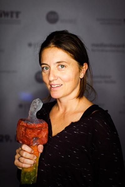 """На кинофестивала в Котбус - Германия, със """"Сестра"""" Светла Цоцоркова печели наградата за най-добър филм."""