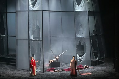"""Зрител на премиерата на """"Електра"""": Изумителни певци, изумителен оркестър"""