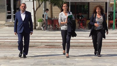 """Собственикът на завод """"Миджур"""" Валери Митков на път към Видинския окръжен съд СНИМКА: Магдалена Костова"""