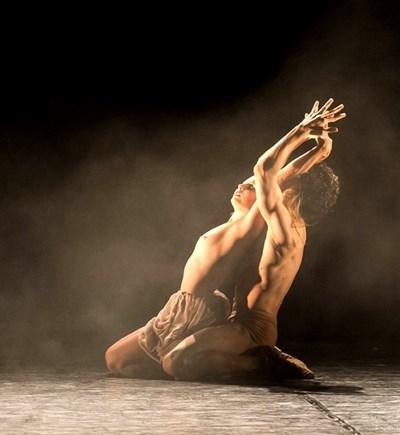 """Момент от балета """"Кармина Бурана"""" на Фреди Франдзути"""