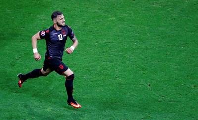 Садику се радва след гола си срещу Румъния на европейското. СНИМКА: РОЙТЕРС