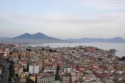 Зоната около Неапол е сред най-гъсто населените в света. СНИМКИ: Инстаграм и Pixabay