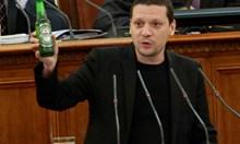 Областен управител напусна Сидеров след бой. Сега е с патерици след удари от атакист, подстрекаван от Чуколов