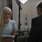 """Мария Бакалова с Руди Джулиани в кадър от """"Борат 2""""."""