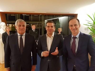 Таяни и Андрей Ковачев посрещат гостите на ЕП в Страсбург, в случая - премиера на Гърция Ципрас, който в момента говори пред евродепутатите.