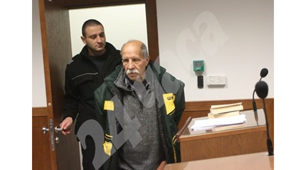 Дядото, който нахлу с пистолет в президентството: Пуснете ме, не ми е мястото в ареста