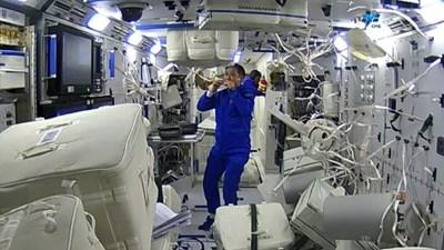 Как тайконавтите се грижат за хигиената си в Космоса?