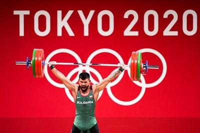 Божидар Андреев по време на състезанието по вдигане на тежести в категория до 73 кг. от олимпийските игри в Токио. Българинът завърши пети. СНИМКА: ЛЮБОМИР АСЕНОВ, LAP.BG