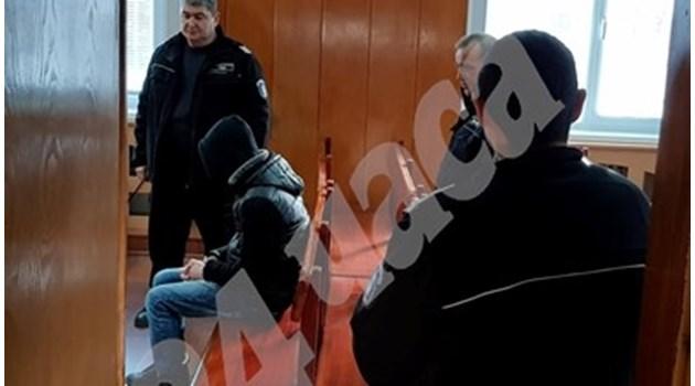 Предадоха на съд ученика Владислав, убил баща си при семеен скандал край Варна
