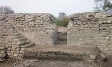 Крият ли древни тайни човешките кости от Китен