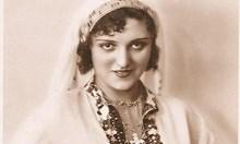 """Новата """"Мис България"""" получи много критики, но в миналото кралиците на красотата са любимки на народа"""