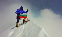 Запознахме се късно, но Боян е един от най-свестните хора в България. Абсолютно рядък, заплашен от изчезване вид