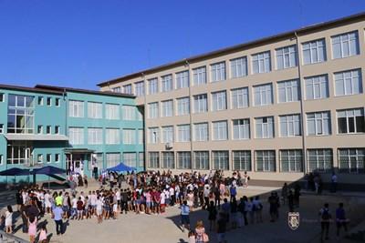Учебната година в Спортното училище вече започна в изцяло реновирана база СНИМКА: Община Велико Търново